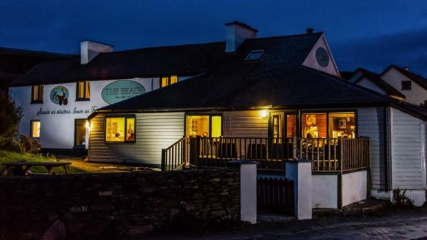 Day's Beach Bar and Guesthouse
