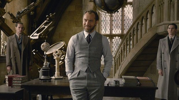Jude Law in Fantastic Beasts: The Crimes of Grindelwald