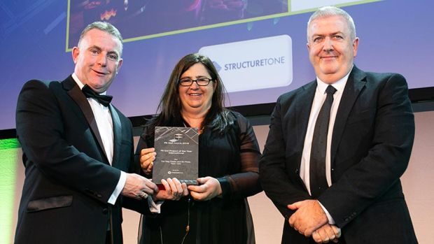 Tom Murnane, Commercial Director, StructureTone presents the Fit Out Project of the Year - International award to Graham O'Donnell & Ann-Marie O'Neill, O'Donnell O'Neill Design.