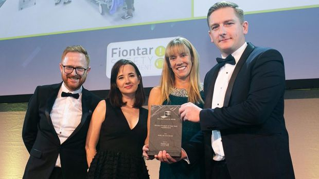Stuart McFadden, Operations Manager, Fiontar Safety Management presents the Fit Out Project of the Year – Healthcare award to Rob Salmon, Maria Mulcahy, Henry J Lyons & Carole Smillie, Bennett Property