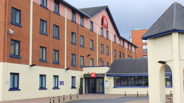 UK hotel investor Propiteer bought the recently refurbished four-star Ibis Hotel just off the Red Cow interchange for more than €14 million.