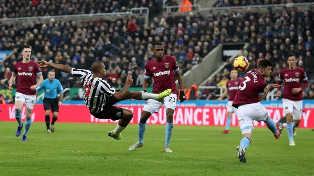 N Salomon Rondon shoots during the Premier League match between Newcastle United and West Ham United. Photograph: Ian MacNicol/Getty Images