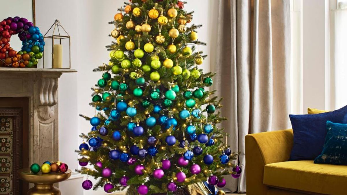 10 Of This Year S Best Christmas Tree Ideas