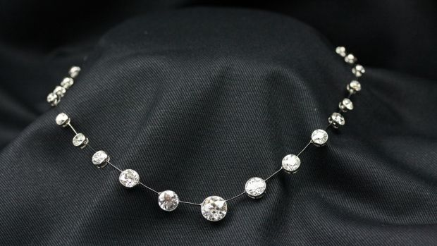Chaumet necklace (1910) with 3-carat central diamond (€125,000), John Farrington Antiques.