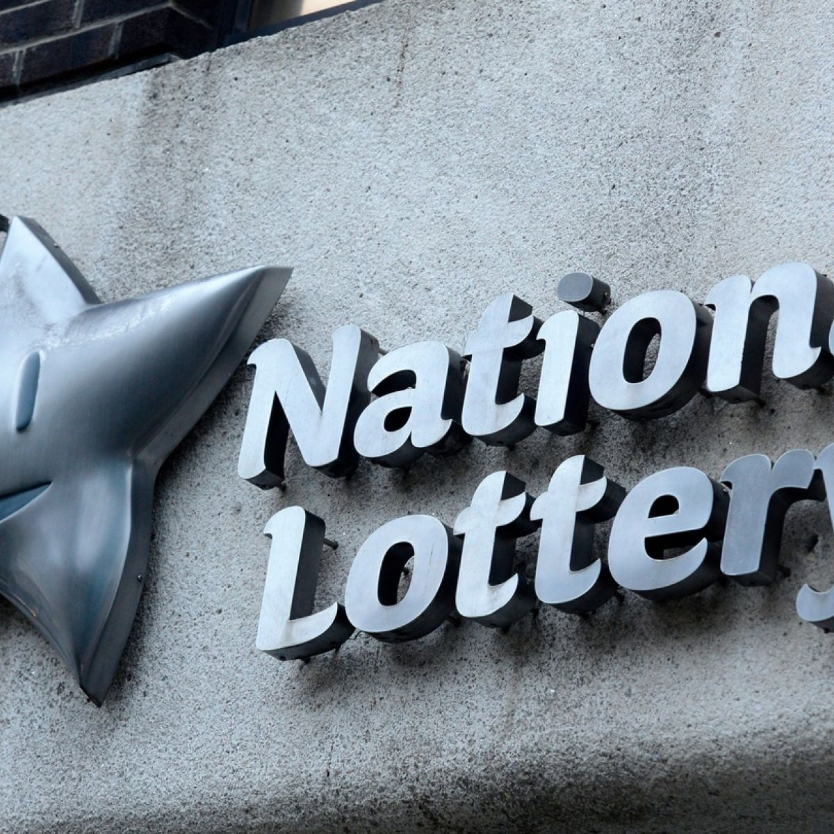 National Lottery losing market share to gaming sites