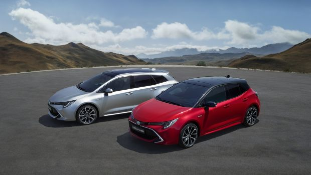 The new Toyota Corolla Touring estate and hatchback: The full range arrives not only with hybrid but with increased levels of equipment