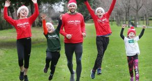 Dublin star Cian O'Sullivan helping to launch the GOAL Mile   with Caoimhe (13), Rossa  (9), Cuan (11) and Saoirse (6) in Herbert Park, Duiblin 4.   Now in its 37th year, the annual event will see tens of thousands people run, jog or walk 130 Miles across the country over the Christmas period. Photo: Leon Farrell/Photocall Ireland