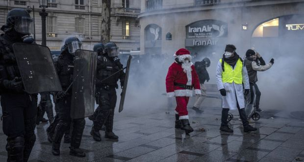 French Police Clash With Demonstrators As Yellow Vest Protests Continue
