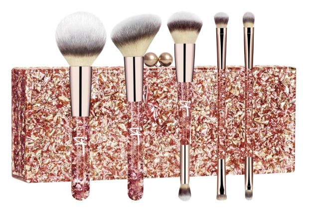IT Cosmetics Your Luxurious Must Haves Five Piece Face and Eye Brush Set (Û137 at Arnotts and arnotts.ie)