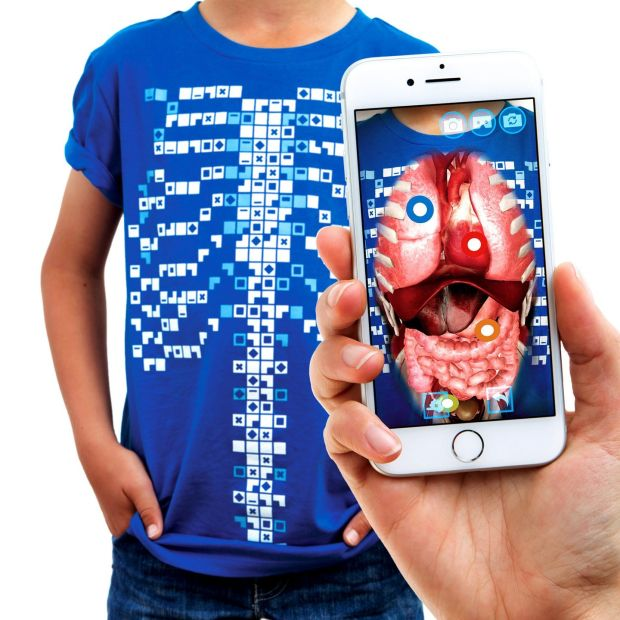 Virtuali-tee T-shirt and smartphone app