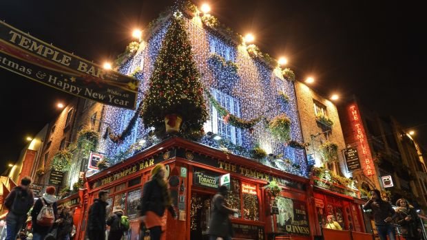 Visitors to Ireland claim the weather makes you want to go to a cosy pub and stay warm.