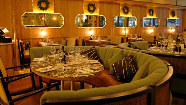 Isabelle's review: Nice decor, but €45 for a pizza, and €5