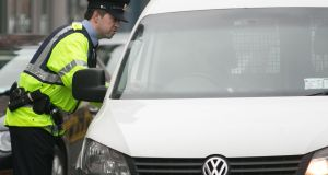 Almost 950 drivers were arrested on suspicion of drink- or drug-driving over the Christmas period.