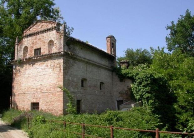 €350,000: 15th-century church with two-bedroom curator's house
