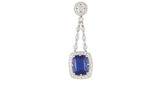 Tanzanite and Diamond pendant (€10,000-€12,000, O'Reilly's Auction