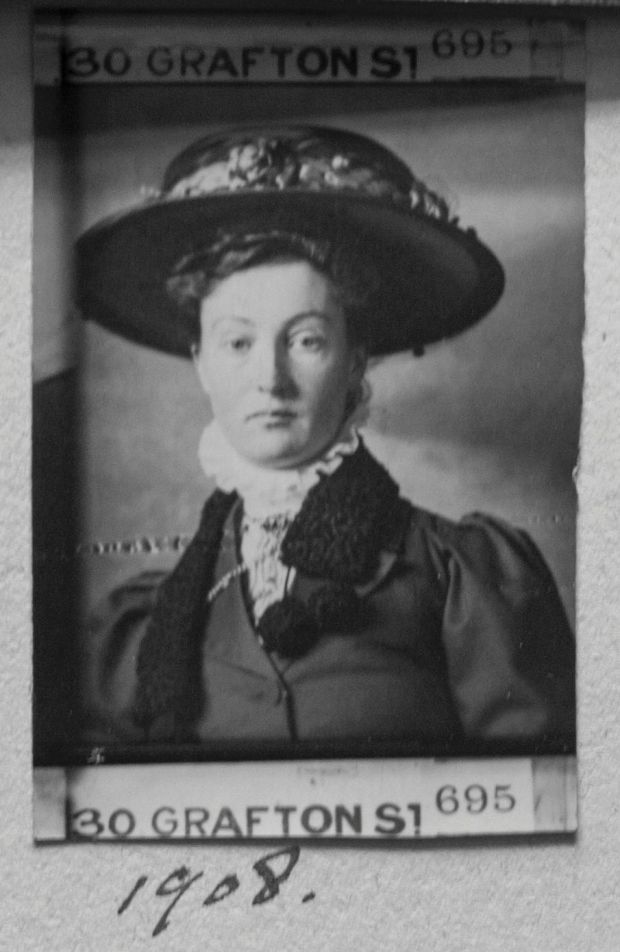 Mary Swanzy in Dublin, 1908, courtesy Mary Swanzy Estate