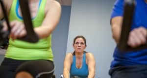 For women in their 40s, combining 150 minutes of moderate intensity exercise with regular weight training is important