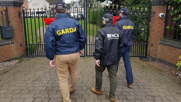 Two members of Kinahan crime cartel arrested at Birmingham airport