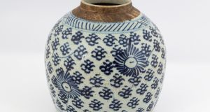 Lot 48: 18th century Chinese jar €30- €50