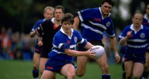 Stuart Barnes in action for Bath against Saracens in April 1993. Photograph: Dave Rogers/Allsport