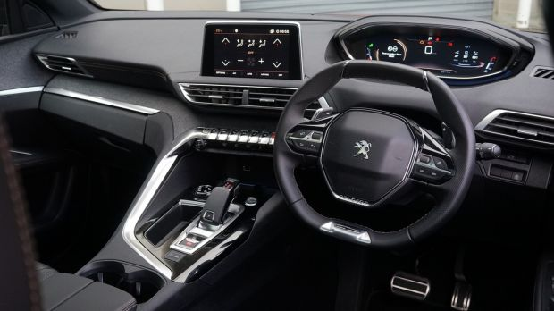 Inside the cabin is largely lifted from the award-winning 3008 and 5008 crossovers, which is no bad thing