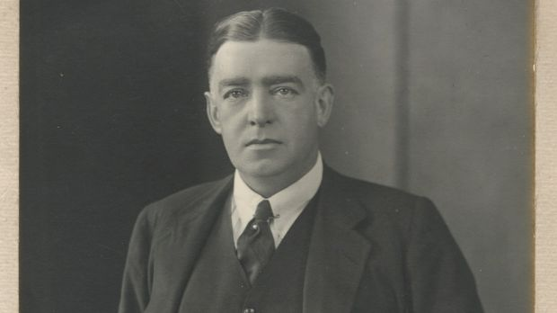 Lot 204: Signed portrait photograph of Ernest Shackleton (€920- 1,400)