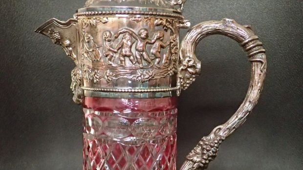 Pink glass silver-topped decanter achieved €540 (€80-€120) at John Weldon.
