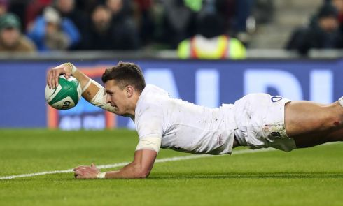 England's Henry Slade scores their bonus point try  Photo: INPHO/Billy Stickland