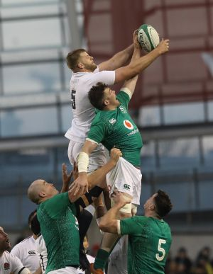 Ireland's Peter O'Mahony and England's George Kruis contest a line out during the Guinness Six Nations match at the Aviva Stadium, Dublin. Photo: Lorraine O'Sullivan/PA Wire.