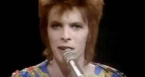 The documentary concentrates on the years between 1965, when David Jones reinvented himself as David Bowie, and 1972, when David Bowie reinvented himself as Ziggy Stardust.