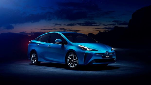 Prices for the Prius are going up. Both models - the €32,250 base version, and the €34,950 'Luxury' model - are now €800 more expensive than before