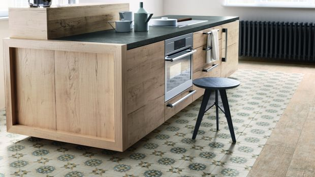 With more integration between the kitchen and living spaces, flooring manufacturers are beginning to offer a more customisable design underfoot.