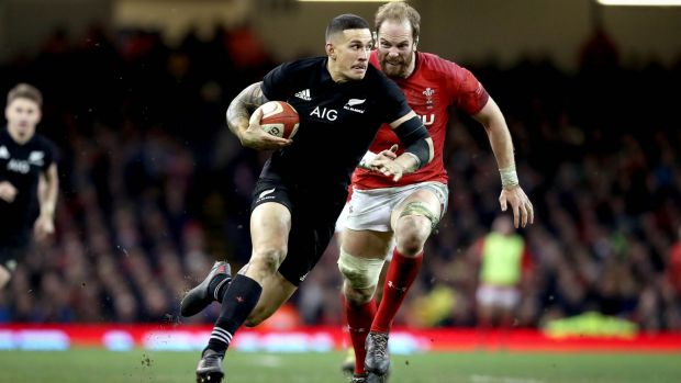 Alun Wyn Jones hunts down Sonny Bill Williams in 2017. Photograph: Ryan Byrne/Inpho