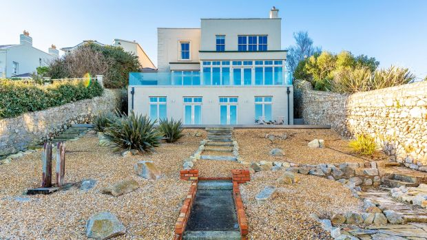 Large rear garden that has access to the sea