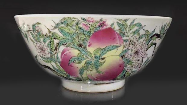 Lot 849, pair of Chinese Qing dynasty peach bowls, €8,000-€12,000