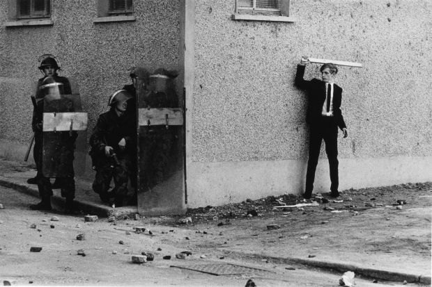 Don McCullin, Catholic Youths Attacking British Soldiers in the Bogside of Londonderry (1971) Credit: Don McCullin/Tate