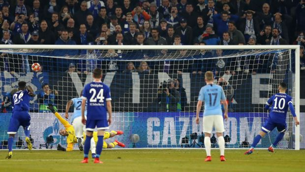 Nabil Bentaleb of FC Schalke 04 scores his team's second goal from the penalty spot during the Uefa Champions League Round of 16 clash with Manchester City. Photo: Dean Mouhtaropoulos/Bongarts/Getty Images