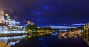 The Radisson Blu Hotel, Athlone is perched on the banks of the River Shannon.