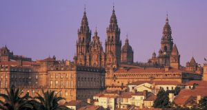 Santiago de Compostela: the frequency with which jubilee years occurred there – every six, five, six, and 11 years – is probably the best explanation for its extraordinary popularity