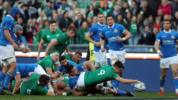 Conor Murray of Ireland scores his try. Photo: David Rogers/Getty Images