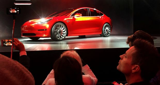 Tesla debuts €30,000 Model 3 but you'll have to buy it online