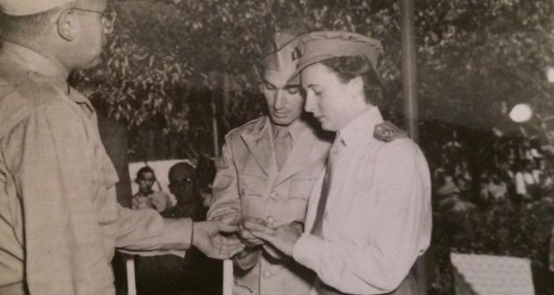 Chester and Marian Raphael on their wedding day, in 1943
