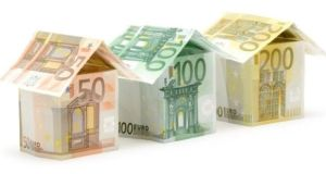 Fixed-rate mortgages  increased over the fourth quarter of last year, with new drawdowns exceeding repayments by €1.8bn