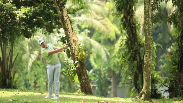 Spain's Nacho Elvira leads heading into the final round in Kuala Lumpur. Photograph: Andrew Redington/Getty