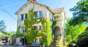 Five bedroom house in the French market town of Chauvigny