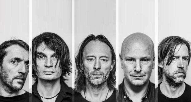 คนซ้ายสุด Collin Greenwood และคนที่สองจากซ้าย Jonny Greenwood Radiohead: the band have given Wooden Elephant the okay to record their version of Kid A