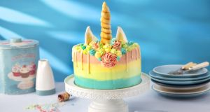 A unicorn cake that makes a big impression
