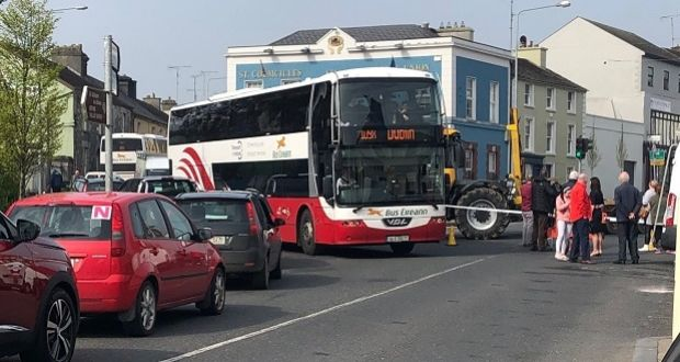 92318bd6e8d030 Traffic has backed up in Kells after gardaí closed John s Street as part of  their investigations