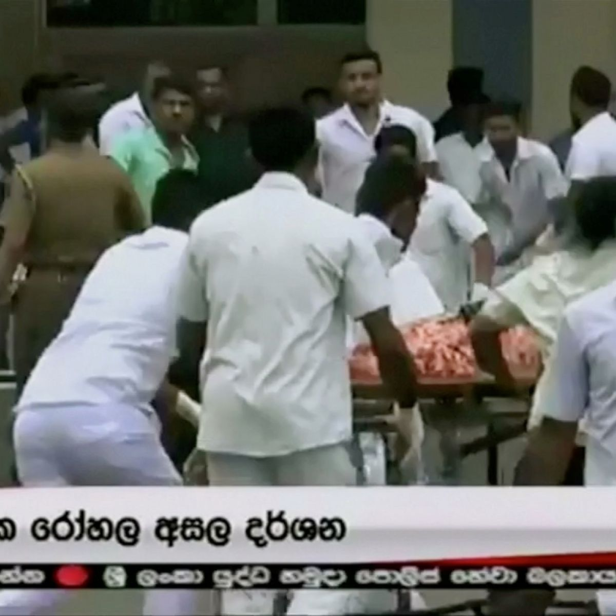 Sri Lanka: At least 207 dead and 450 injured in bombings