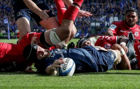 Leinster's Scott Fardy scores a try. Photo: Billy Stickland/Inpho